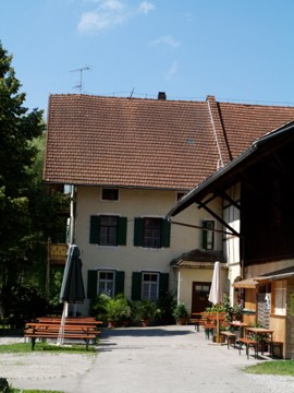 Der Alte Lautenbacher Hof In Inning Am Ammersee Im Funf Seen Land